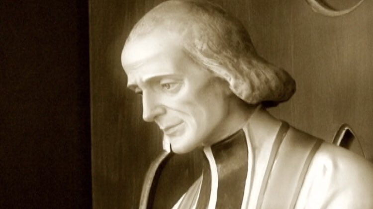What happiness do we not feel in the presence of God, when we find ourselves alone at His feet.../'Come, my soul, redouble your ardour!'✝️   St. John Vianney   #HolyHour #ThursdayThoughts #Happiness #RealPresence #SaintQuotes #Catholic #PrayForPriests