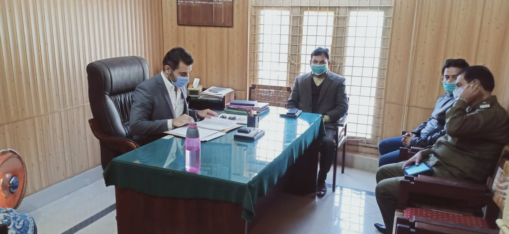 Today on 21st Jan, Monthly meeting of Dar-ul-Aman was held which was chaired by Additional Deputy Commissioner General Jhelum, Mr Umer Iftikhar Sherazi.  #Govtofpunjabpk #jhelum #Covid19 #facemask #PolioFree