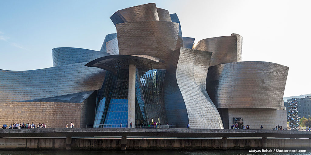 The @MuseoGuggenheim in #Bilbao not only displays pieces of modern and contemporary art, but the building is a masterpiece itself! 👌 Designed by #FrankGehry, it leaves no one indifferent. What do you think?  👉   #SpainUrban #SpainArt @I_Euskadi