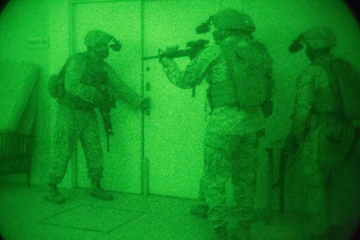 #Marines with #FleetAntiTerrorismSecurityTeam conduct simulated disaster drills. #Training provides expeditionary anti-terrorism and security forces to reinforce embassies, consulates and other vital national assets throughout the @CENTCOM AOR. @CENTCOMArabic