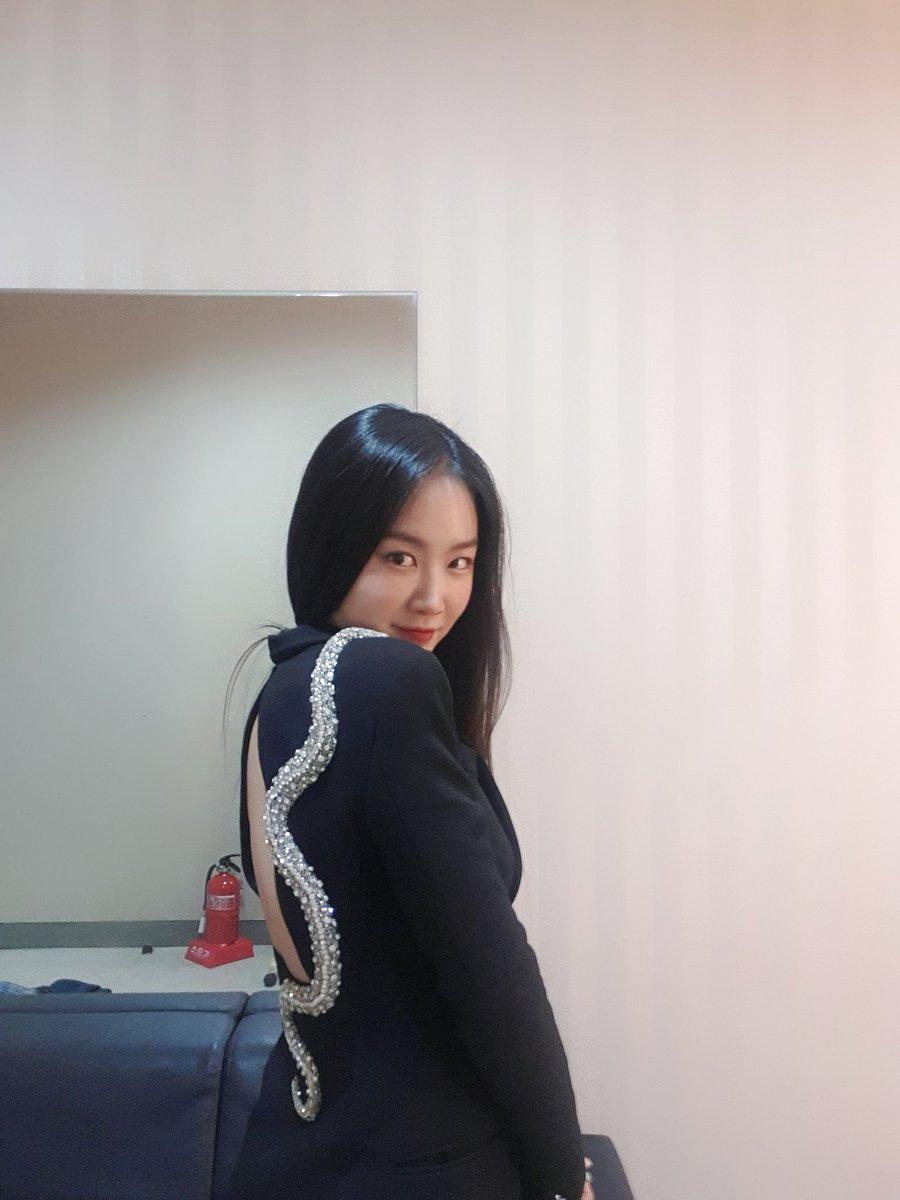 official_soyou: [#SOYOU] #소유 심사위원과 함께 했던  #Mnet #캡틴 🎤 마지막까지 모두 수고하셨습니다👏🏻 앞으로의 다양한 소유의 모습도 기대해 주세요✨  #캡틴_소유 #CAP_TEEN