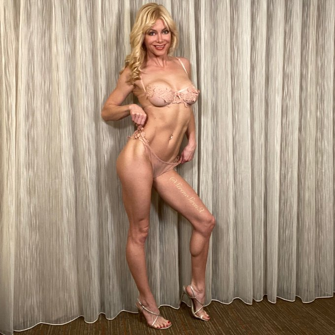 1 pic. I'm super honored to be AVN nominated as Hottest MILF two years in a row! Thanks for your the