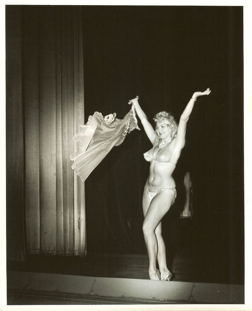 "Jennie Lee aka. ""The Bazoom Girl""  #JennieLee #BazoomGirl #retro #burlesque #BurlesqueHistory #tribute #showgirl #performer #performance #artist #Bazoom #BazoomBurlesque #dance #dancer #dancing #exoticdancer #database #glamour #posing #Model #ExoticDancer #Legend #BurlesqueLegend"