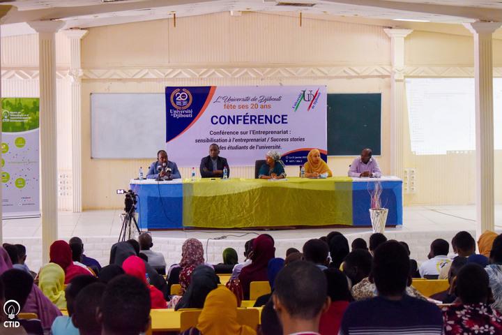 Le CTID a été convié à 1 conférence organisée dans le cadre des 20ans de l'Université de Djibouti  Cet évenement avait pour but de promouvoir l'entrepreneuriat mais aussi de mettre en lumière certains étudiants devenus entrepreneurs  #Djibouti #CTID #UniversitédeDjibouti #Tech253