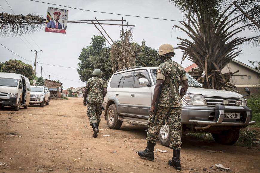 Widespread violence & human rights violations undermined the credibility of #Uganda's elections. Security forces killed, beat & arrested opposition supporters, journalists, and activists; disrupted opposition rallies; and shut down internet. New from @hrw: https://t.co/gnLQ9Y7leM https://t.co/bWj0OyPw3d