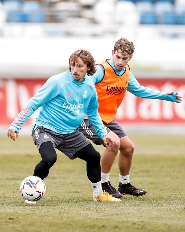 🏃♂️ Luka Modrić ⚽️ Eden Hazard  🥅 Thibaut Courtois  👊 Raphaël Varane  📍 #RMCity