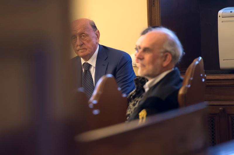 Former head of Vatican bank guilty of embezzlement, money laundering https://t.co/MdaLt4dRm1 https://t.co/H2m1NJsNGp