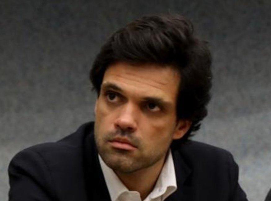 Diogo Orvalho, que integrou a Mesa da AG de Bruno de Carvalho, e que ajudou a destituir o então presidente, é agora o advogado que vai defender a Direção de Frederico Varandas no processo de despedimento coletivo. Isto explica muita coisa. https://t.co/5JszLhWGRY