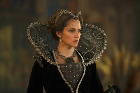 The costumes in #ADiscoveryOfWitches2 are just so pretty wow 🤩😍🥰