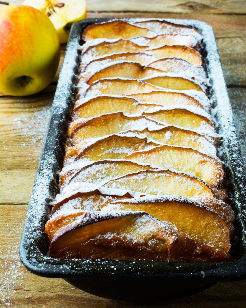 Cake à la pomme  Simple et délicieux #recette #desserts #recette #cuisine #cake #pommes #fruits #gateaux #instafood #instacook