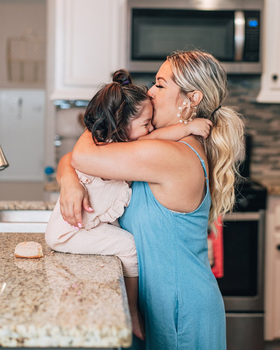 Hugging is the most beautiful form of communication that allows a child to know beyond a doubt that they matter and are loved! Happy National Hugging Day. Make sure to hug your loved ones every chance you get. #itsmarisolherrera #lapatrona #momwifehustler #nationalhuggingday