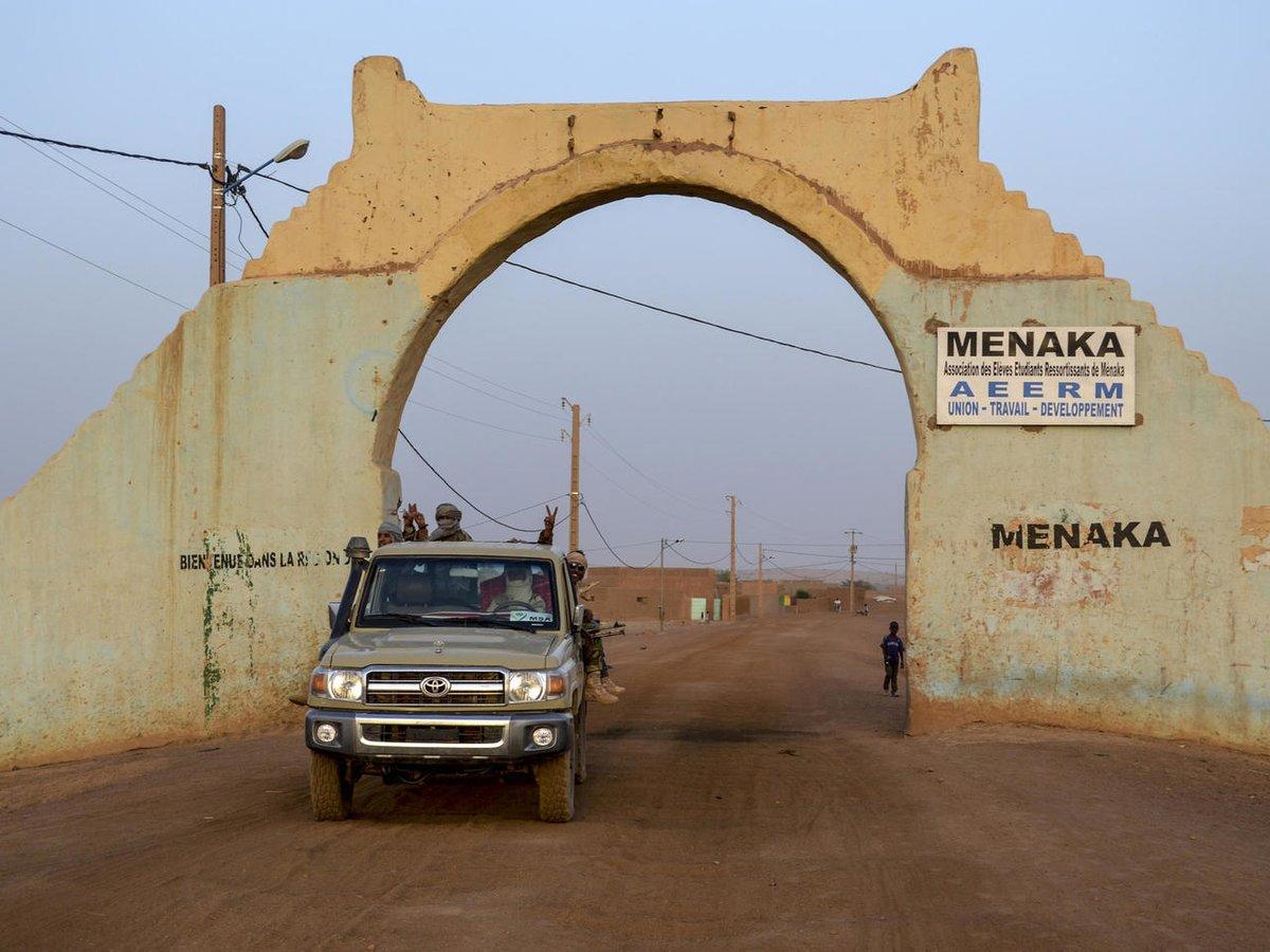 """Projet """"#Ménaka sans armes"""" : les explications du Lieutenant-Colonel Ibrahim Samassa, coordinateur Famas de la ville👉"""