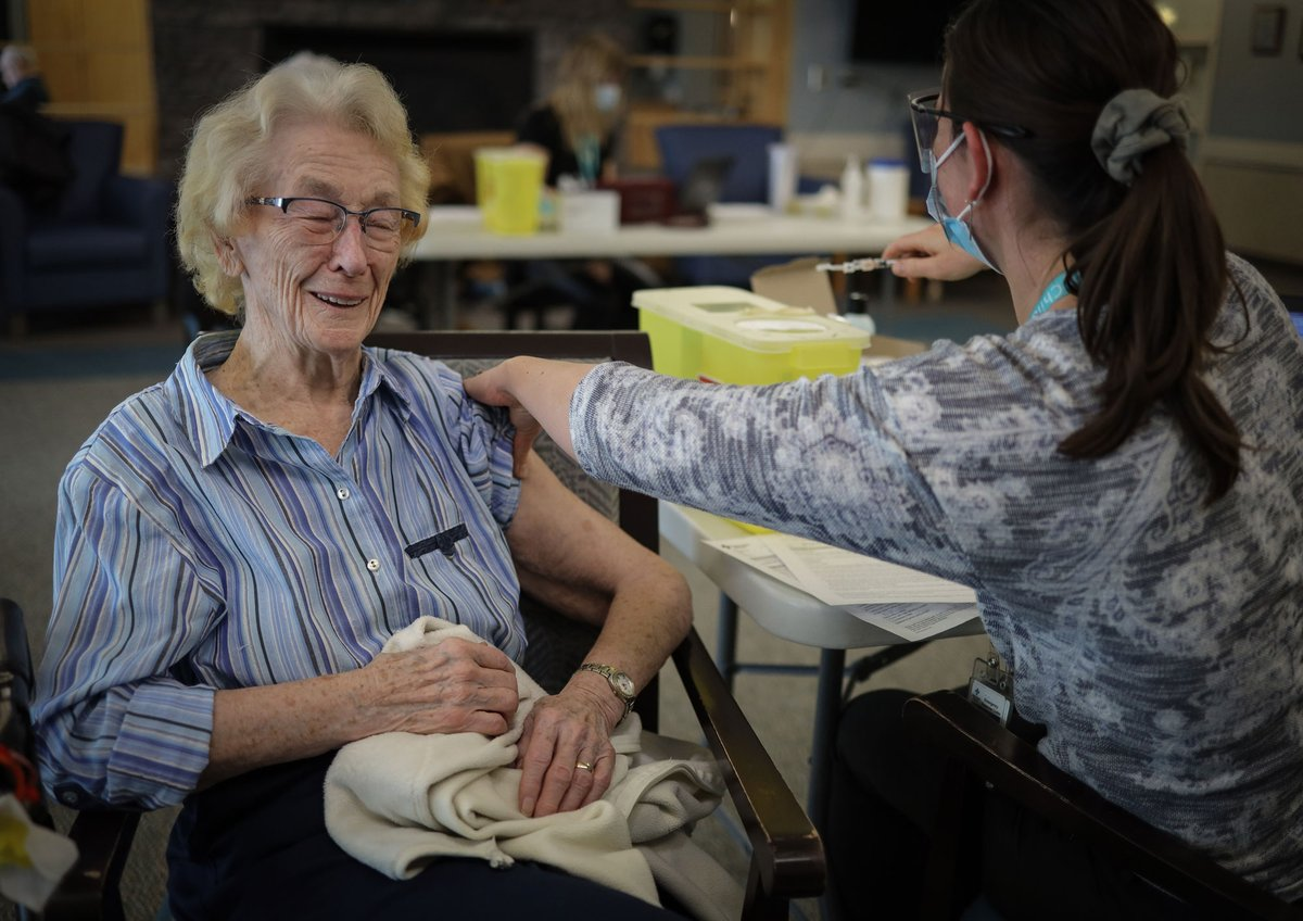 Sheila Brassard, 89, was delighted to receive the #covidvaccine from RN Rachel Reid at Aspen Ridge Lodge Seniors' Housing in Didsbury. #ShotOfHope