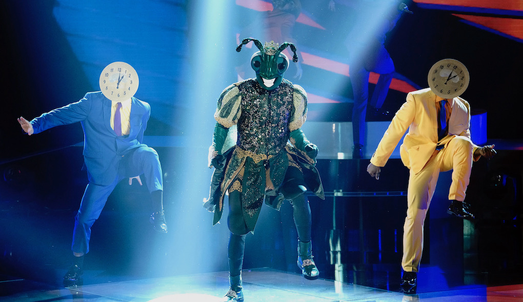 Find out which star was behind the Singing Cricket mask on #TheMaskedDancer.
