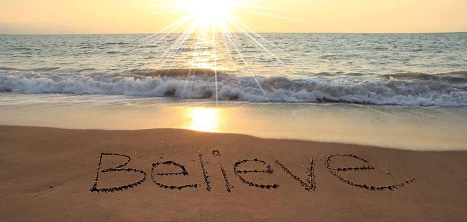 The Curious Butterfly believes...😉  #beautifulworld #sea #Believe #believeinyourself #WednesdayMotivation #PerfectPlanet #love