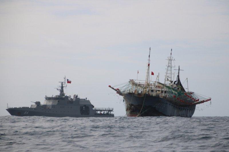 Pesqueros extranjeros comienzan a abandonar aguas chilenas. La #AutoridadMarítima sostiene una exhaustiva vigilancia desde