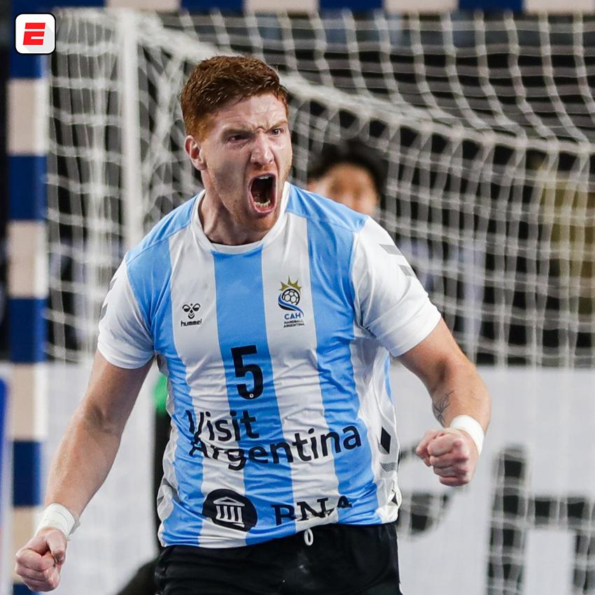 ¡Vamos, #LosGladiadores!  La Selección Argentina de Handball se impuso 28-24 frente a Japón por el primer partido de la segunda etapa del Mundial de Egipto 2021. El próximo sábado se enfrentarán ante Croacia. https://t.co/MqexeehzMG