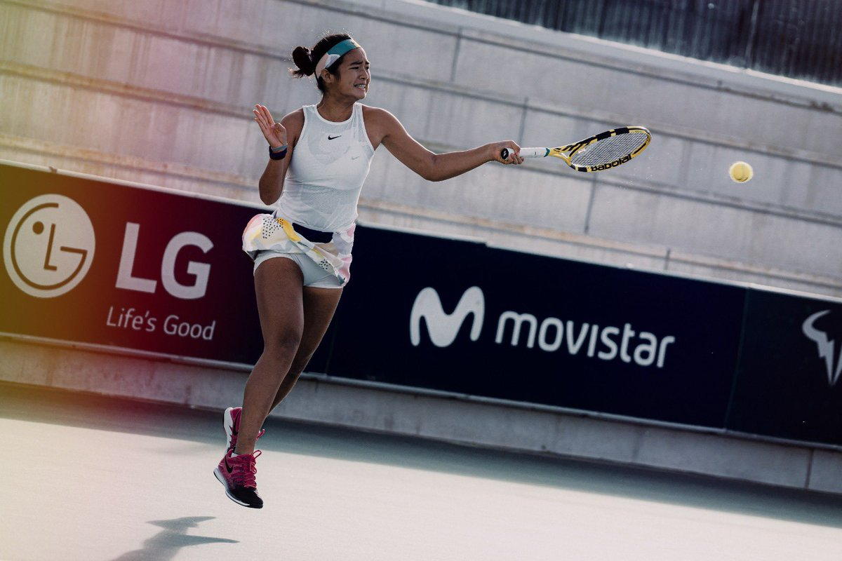 No place like Home! For the first time in her career, Alex Eala 🇵🇭 reaches the quarterfinals of an ITF tournament! Great victory 6-4, 6-1 against the number 1 seeded Seone Mendez. Let's keep dreaming at the @ITFTennis by LG tournament at the #RafaNadalAcademy by Movistar! VAMOS‼️