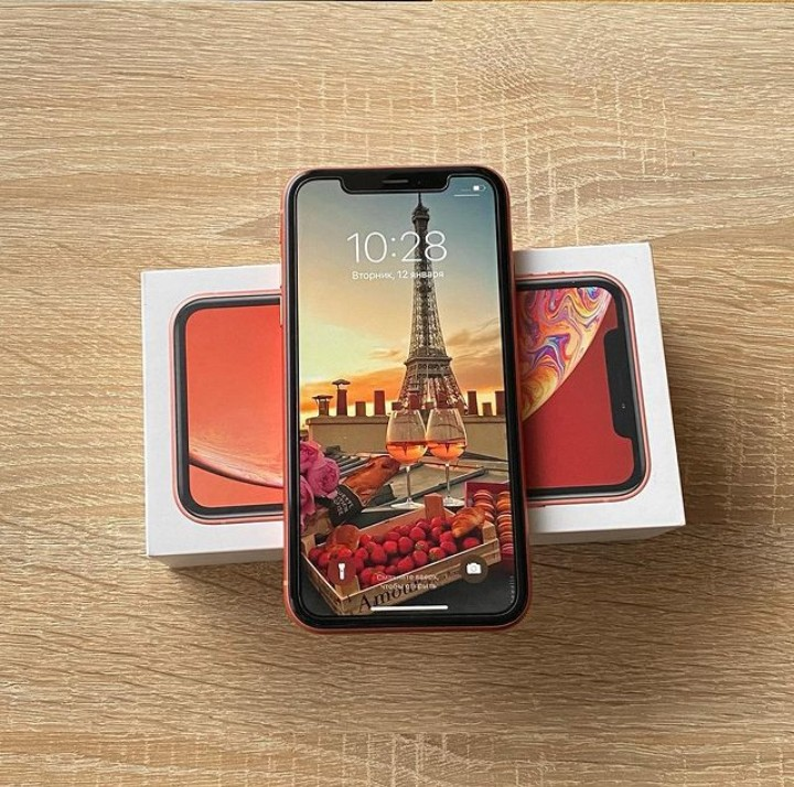 The iPhone XR is a bargain for the reasons bellow; its Shares the same iOS, main camera with Smart HDR, wireless charging capabilities with the iPhone XS and it comes at a cheaper price! ✨ #iPhone #Apple #camera #coral #Like #likeforlike