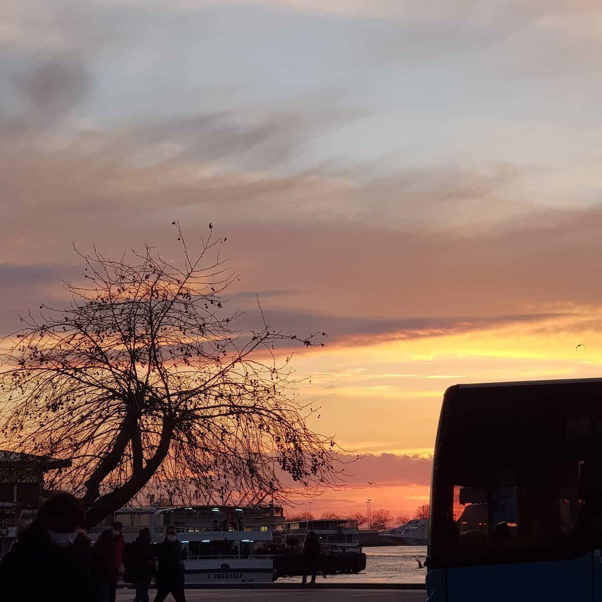 #Günbatımı #sunset #sonnenuntergang #roava #Istanbul #Kadıköy #nofilter 21 Ocak 2021