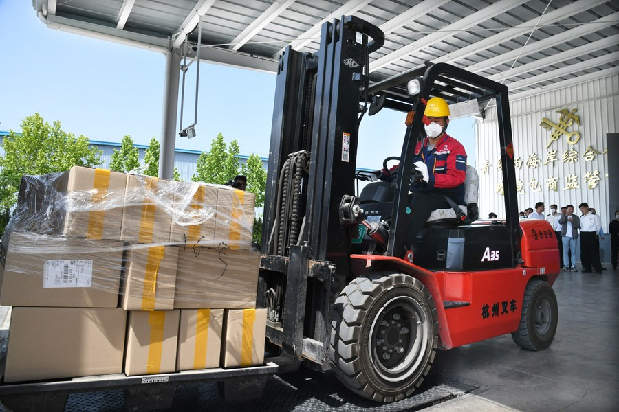 China has intensified its crackdown on smuggling via cross-border e-commerce, the country's customs authority said Thursday