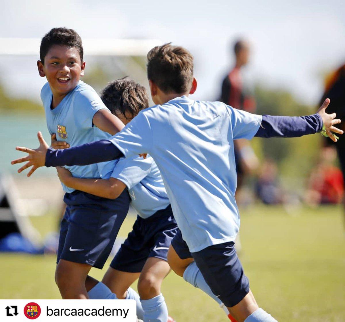 #Repost @barcaacademy with @make_repost ・・・ 💙❤ ¡Feliz día mundial del abrazo! #DiaInternacionalDelAbrazo #AbrazoDeGol  . 💙❤ Happy Hug Day! We'll be back! #HugDay . #BarçaAcademy #BarcaAcademy #BarçaEscola #FCBEscola #FCB #FCBarcelona #Barça #Barca #Barcelona #Futbol