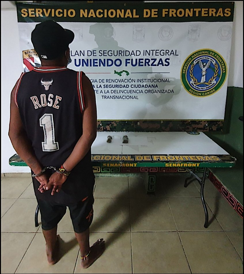 1 aprehendido y presunta droga fueron ubicados luego de un patrullaje marítimo en el sector de Cartí, Guna Yala por las unidades de la Brigada Caribe y de la Dirección de Inteligencia. Este caso fue puesto a orden de la autoridad competente para los trámites correspondientes. https://t.co/gmVGM9KkCs