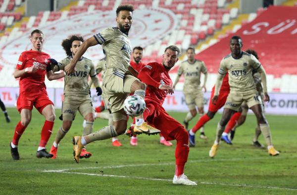 Fenerbahçe'nin 5 maçlık galibiyet serisi Sivas'ta sona erdi.   ✔ 4-1 Başakşehir ✔ 3-0 Kasımpaşa ✔ 2-1 Alanyaspor ✔ 3-0 BB Erzurumspor ✔ 3-1 Ankaragücü ⭕ 1-1 Sivasspor  👉 https://t.co/m6BDp7rWeb https://t.co/bBmpxb9FDb
