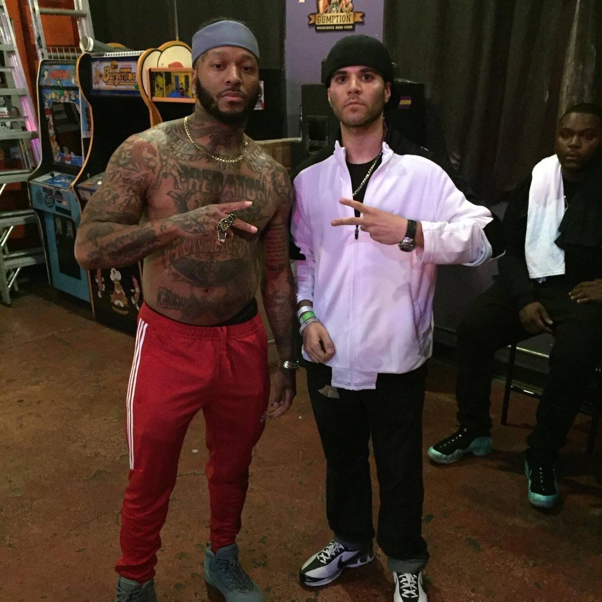 #ThrowbackThursday met @MONTANAof300 a couple of years ago in STL after his performance!! He's hands down one of the most lyrically insane rappers out there who never stops!! It'll make my day if he follows me!! Can't wait for the #RapGod album on May 20th!!