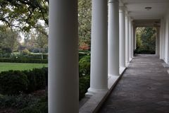 Así luce la columnata Oeste de la Casa Blanca, el espacio que según el propio @BarackObama fue su lugar favorito durante los 8 años que fue Presidente, aquel lugar lleno de significado y cargado de anécdotas, donde respiraba aire puro mientras ordenaba sus ideas #APromisedLand
