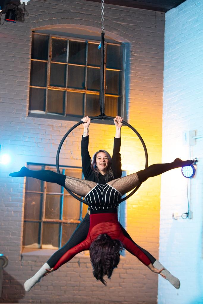 Lauren   #aerialhoop #aerialist #aerialnation #poledancersofig #circus #poledancersofinstagram #burlesque #pinup #poledancing #fitness #dancer #burlesquedancer #showgirl #lyrahoop #dancing #aerial #pinupqueen #bodypositive #modernpinup #circuseverydamnday #aerialgravity