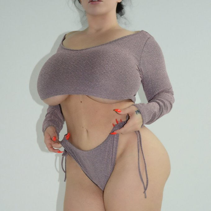 Yay! I just sold my Store Item: Shinny top and panty! Check it out here https://t.co/nxd6MhAmDn #MVSales