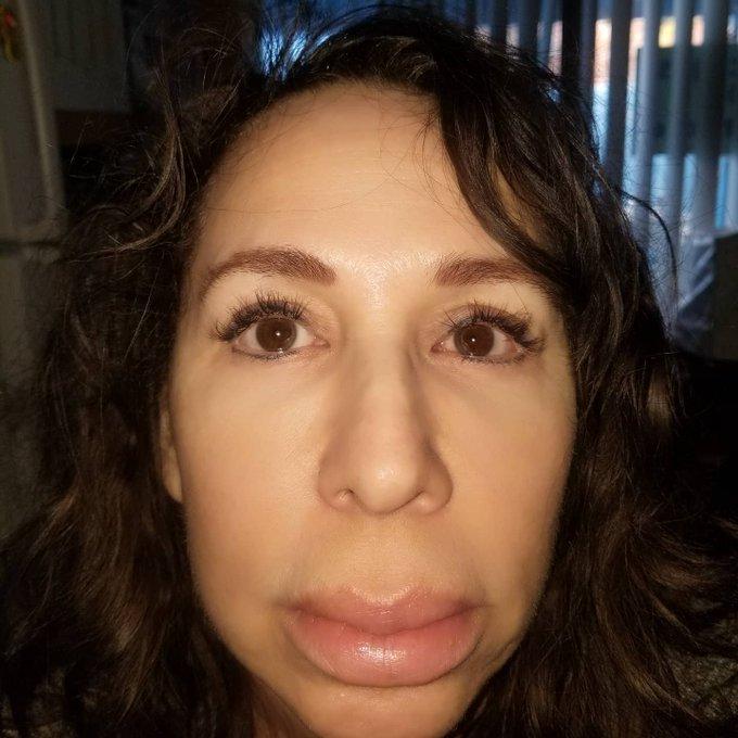 No Makeup selfie: https://t.co/BTnyvOaUHC https://t.co/3PNIKu4eRa