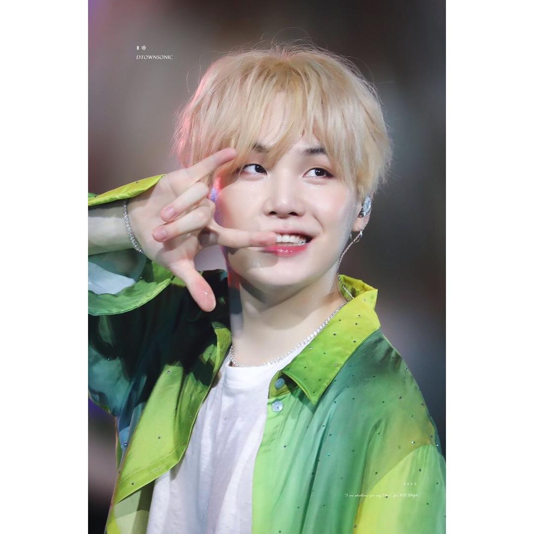 I hope yoongi knows how important he is to us. He is the most precious person, I have never felt alone because of him. He cares for us and never questions us when we ask to see his his teeth or hands😂 #8yearswithSUGA #yoongi #MinYoongi
