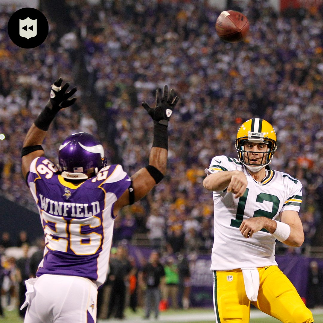 .@AaronRodgers12 & @AntoineWinfield had their fair share of battles. Now Rodgers takes on @AntoineWJr11 in the NFC Championship. (via @nflthrowback)  📺:#TBvsGB— Today 3:05pm ET on FOX 📱: NFL app // Yahoo Sports app