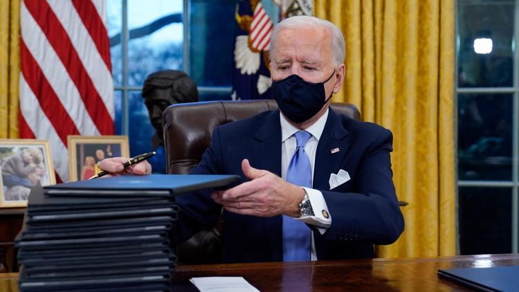 Biden mandates face masks on planes, trains, buses and ships ksdk.com/article/news/h…