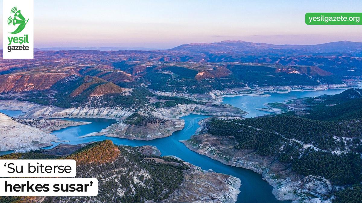 WWF-Türkiye 'Su biterse Herkes Susar' isimli kampanyasının tanıtımını yaparak herkesi su varlıklarımızı koruma seferberliğine davet etti.  Ayrıntılar: https://t.co/D6w7s62OIE  #yeşilgazete #ekoloji #SuBiterseHerkesSusar @WWF_TURKIYE https://t.co/MBBzXBacb7