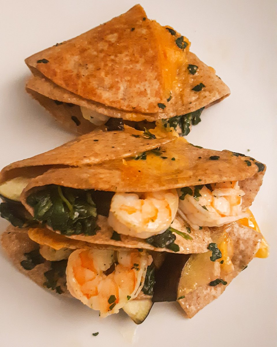 Eng following 🇦🇺  Folded tortillas anyone?This is quite trendy right now as are charcuterie boards on Instagram so I wanted to give it a try of course 👍😁 #Food #Foodie #tortillas #yummy #delicious #instafood
