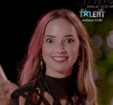 Lucía #LaIslaDeLasTentaciones3  vs.  Jack Torrance (El resplandor)