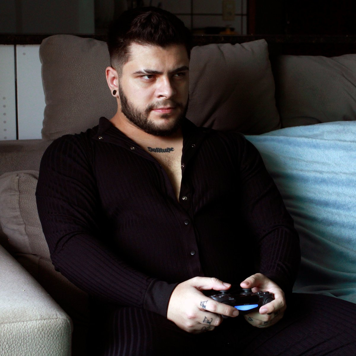 """AO VIVO conferindo a demo """"Maiden"""" de Resident Evil Village no PS5 e conversando sobre os anúncios do #REShowcase:"""