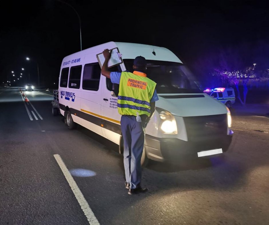Our Traffic Law Enforcement officers and #SAPS are out on the N1 Laingsburg- conducting Public Transport vehicle checks and driver fatigue operations to ensure #SafeRoadsForAll  #NowhereToHide #SafelyHome #PropsForCops #BoozeFreeRoads #FestiveSeason