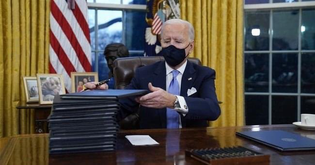 Help! Why does every order require a new pen for signature? #ExecutiveOrder #pens #PresidentBiden