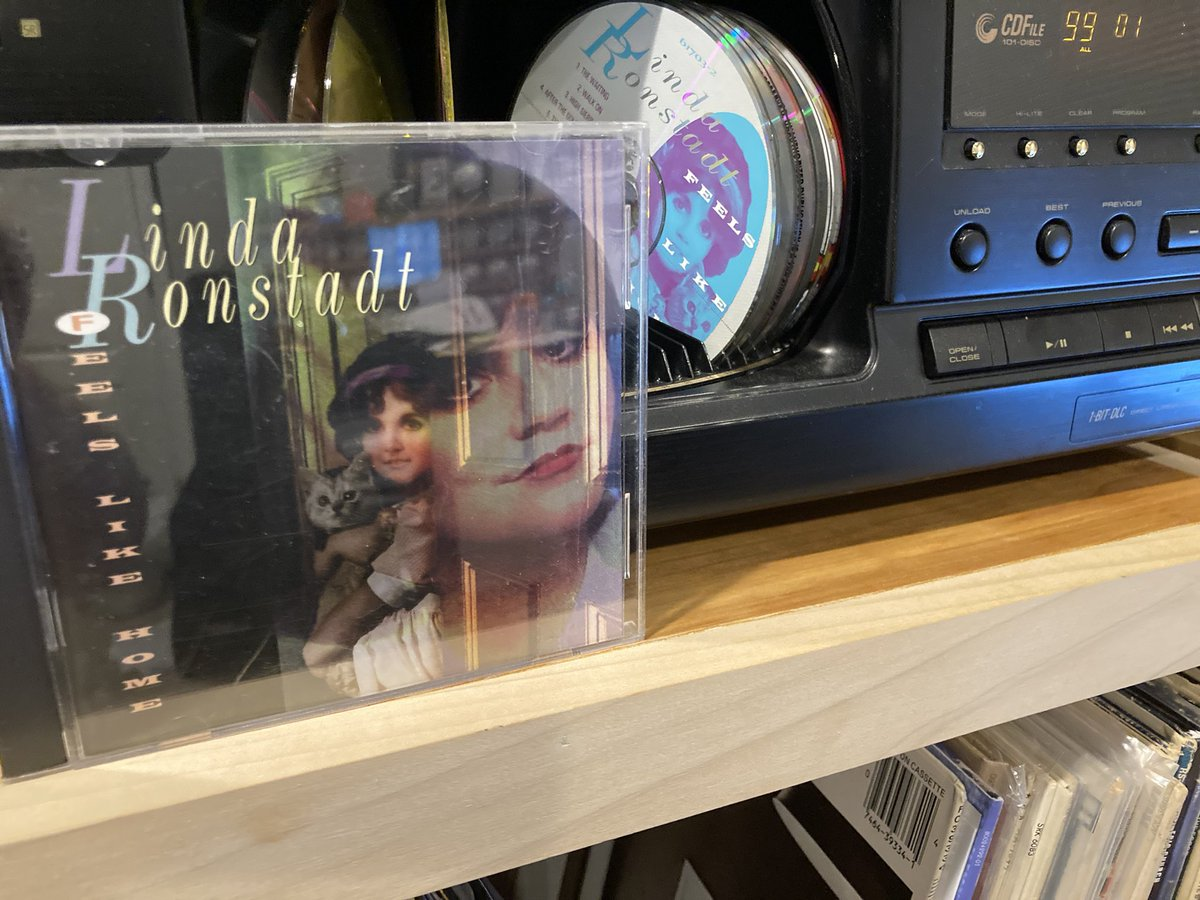 "Next up...""Feels Like Home."" Yes, another Linda Ronstadt album (sorry not sorry). Includes her version of Petty's ""The Waiting"" and Neil's ""After The Gold Rush"" (redone on Trio II). Favorite on this..""The Blue Train."" Absolutely gorgeous song.  Who knows this one? #LindaRonstadt https://t.co/J6nwjSnxlx"