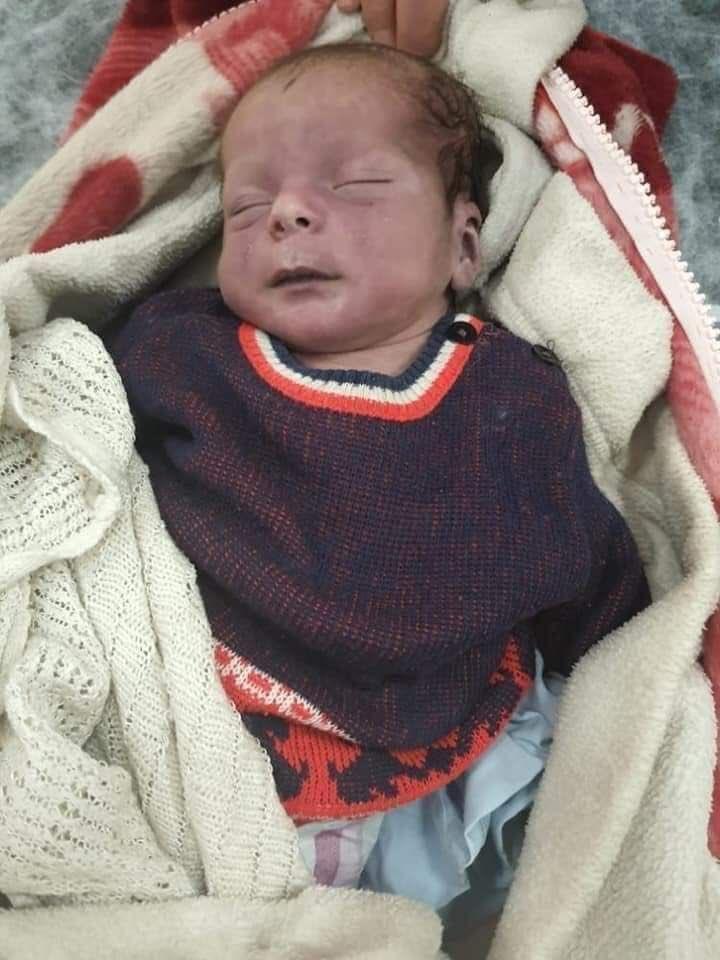 وفاة طفلين في مخيمات الشمال السوري نتيجة البرد القارص.