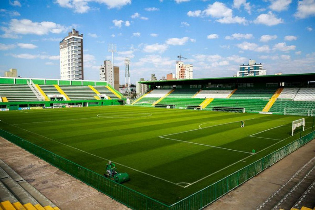 🇧🇷 Série B - Rolou a bola:  ⚽️ Chapecoense x Ponte Preta  📺 SporTV 🏟️ Arena Condá https://t.co/Dc65n4V5gb