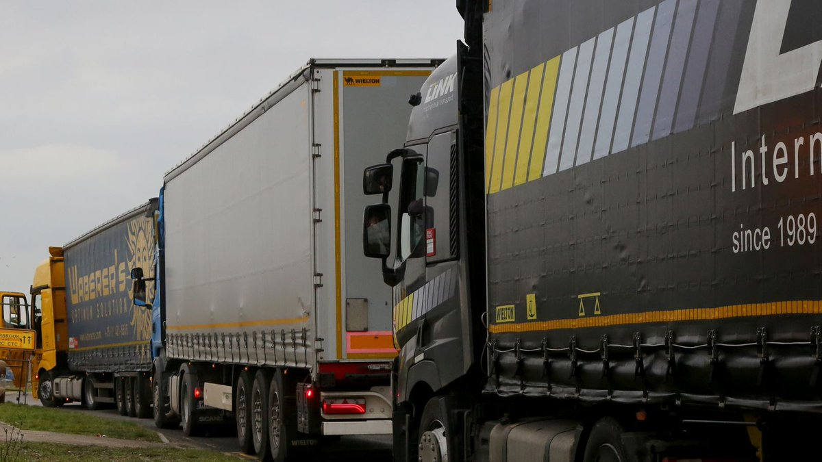✱ Freight traffic slumps and costs soar as Brexit friction bites #skynews #BreakingNews #PleaseRetweet ➯➯➯