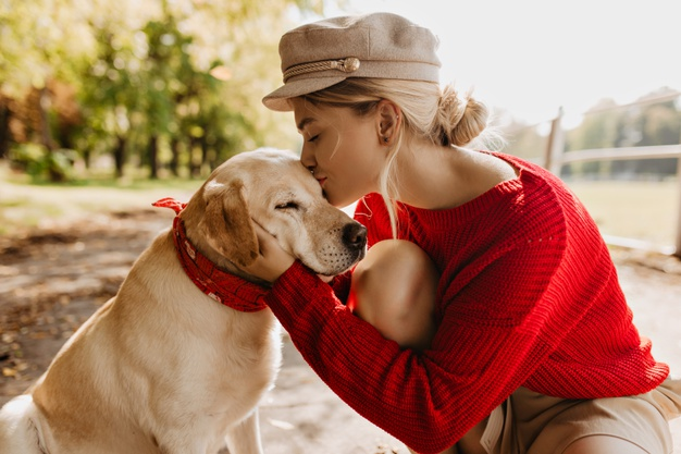 Friendly reminder: Give your dog a kiss today 😘🥰🐶❤️