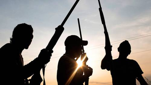 Bandits Invade Kaduna Communities, Kill Traditional Ruler, Three Others | Sahara Reporters Similarly, Abdullahi Saleh, a herder, was killed by armed bandits along the Kangimi axis, on the Kaduna-Jos Road in the Igabi Local Government Area. READ MORE: https://t.co/da2e4DDrGn https://t.co/JewLcifoaB