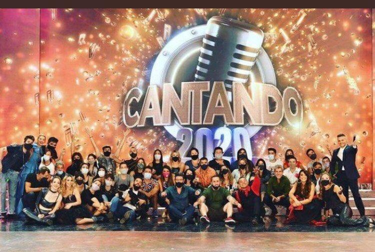 Alta foto #Cantando2020, no lo supero 😎🤦🏻♀️ , Los extraño desde Uruguay 🇺🇾 @AngeldebritoOk @laufer4 😘
