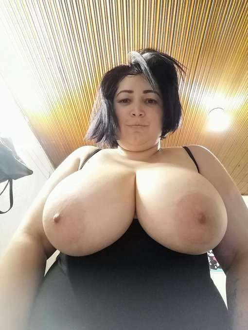 1 pic. Creo que estoy creciendo jejejejeje ustedes que opinan #bbw #fatbabe #fatwoman #chubby #mature